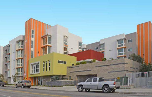 Las Alturas Apartments Podium