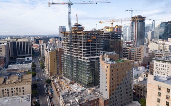 732 Topping Out (3)