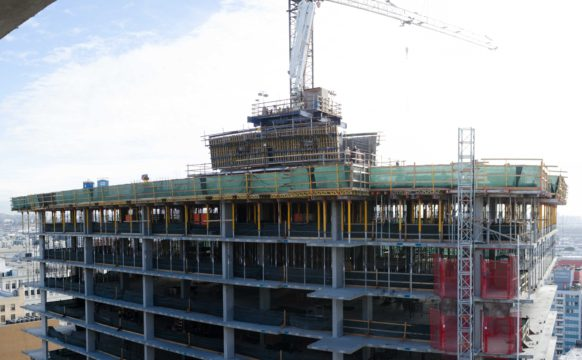 732 Topping Out (5)