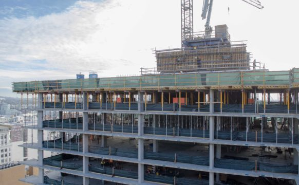 732 Topping Out (6)