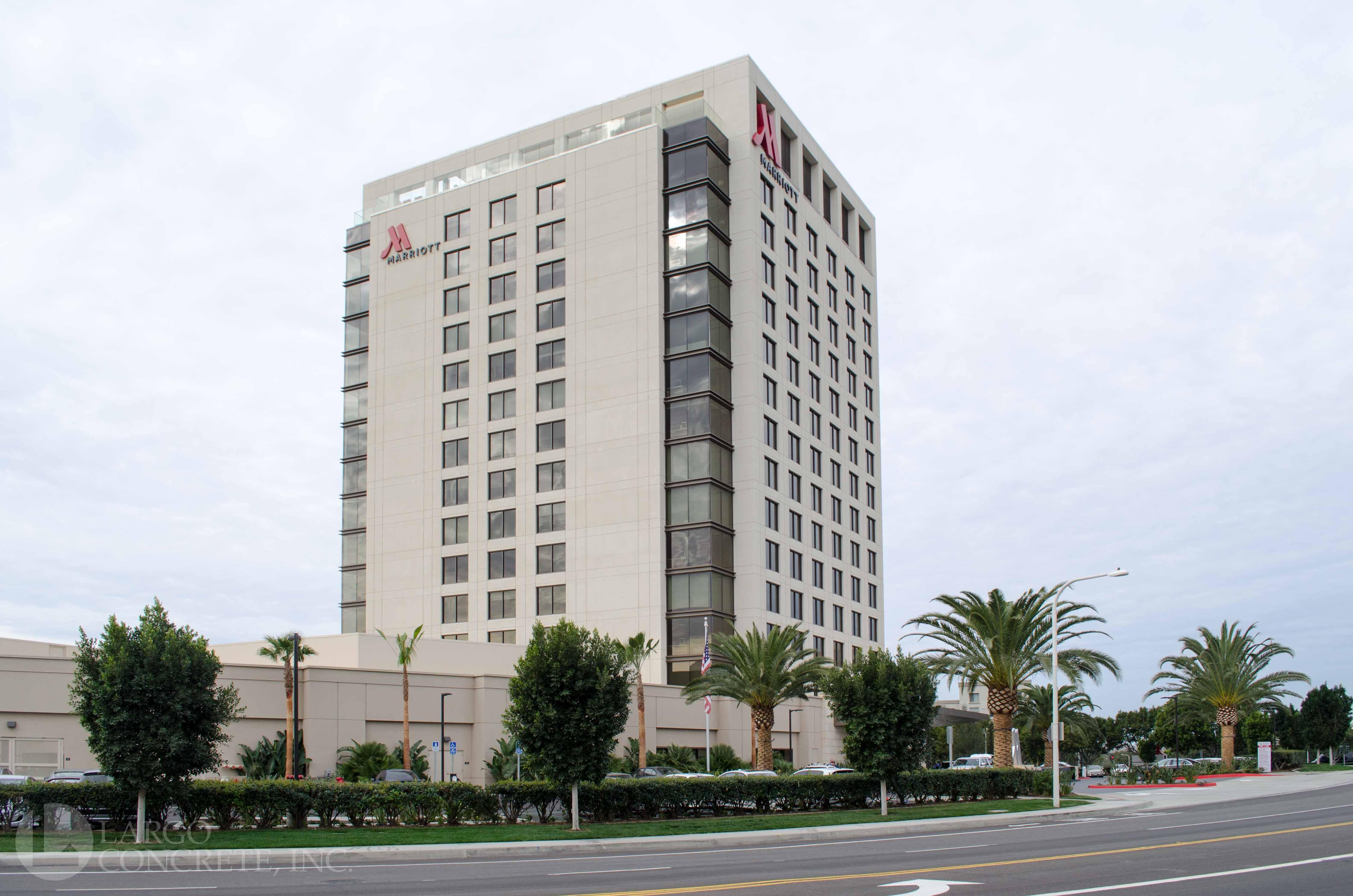 Irvine Spectrum Marriott Tops Out - Largo Concrete, Inc